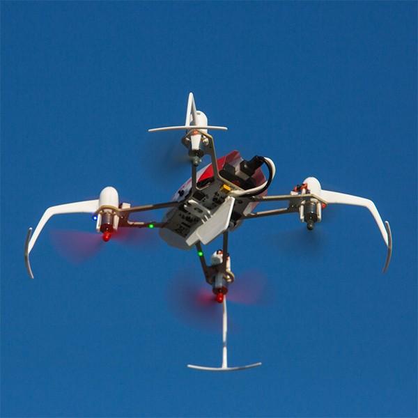 Дрон Blade Nano QX 3D за въздушна акробатика 3