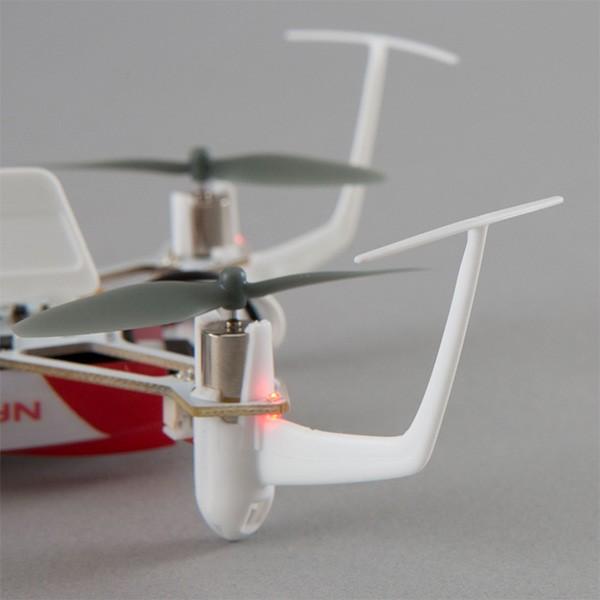 Дрон Blade Nano QX 3D за въздушна акробатика 7