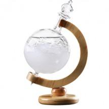Красив глобус с кристали които предсказват времето