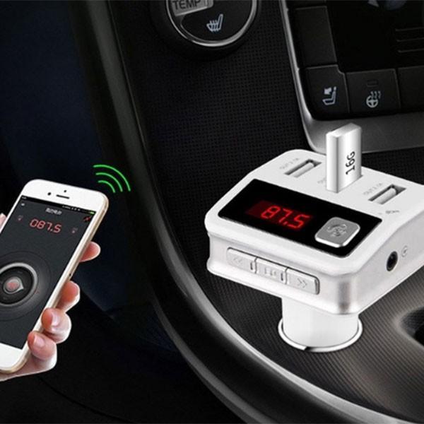 Зарядно с три USB 2.0 изхода радио плеър и хендсфрий за автомобил BC12 HF19 1