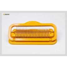 Ръчен слайсър с назъбени остриета от заточена стомана за продукти дълги до 20 см.