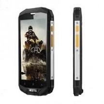 Устойчив на удари и вода смартфон със 64 GB или 32 GB вградена памет