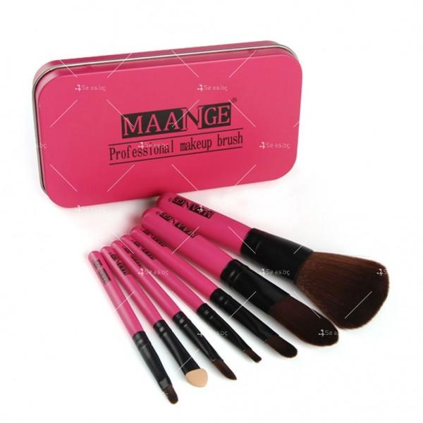 Комплект от 7 броя розови четки за грим + 4 пуфа в метална кутия HZS36 4