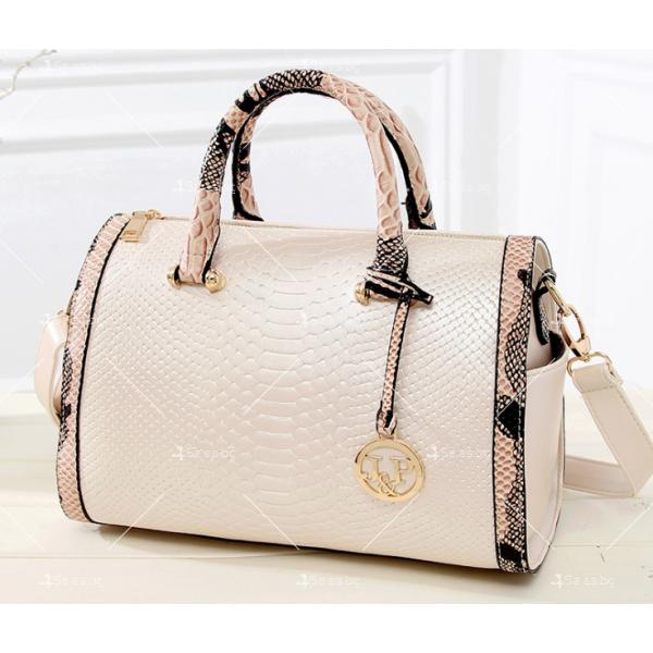 Чанта с декорация змийска кожа BAG38 20