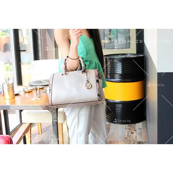 Чанта с декорация змийска кожа BAG38 21
