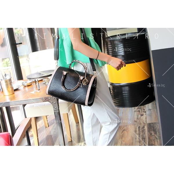 Чанта с декорация змийска кожа BAG38 22