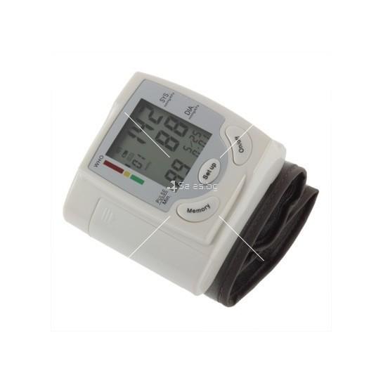 Апарат за измерване на кръвно налягане и пулс тип гривна TV120