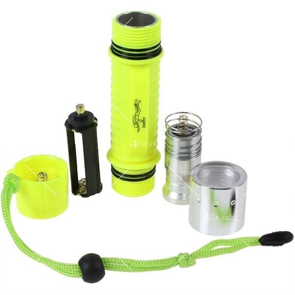 Фенер за водолази с издръжливост до 50 метра дълбочина FL73 16
