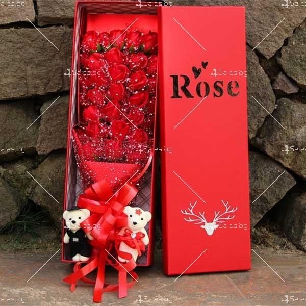 Букет от рози с влюбени мечета изработен от сапун BUKET33 5