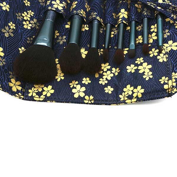 Комплект от 8 четки за грим в красива разгъваща се чантичка HZS69 5