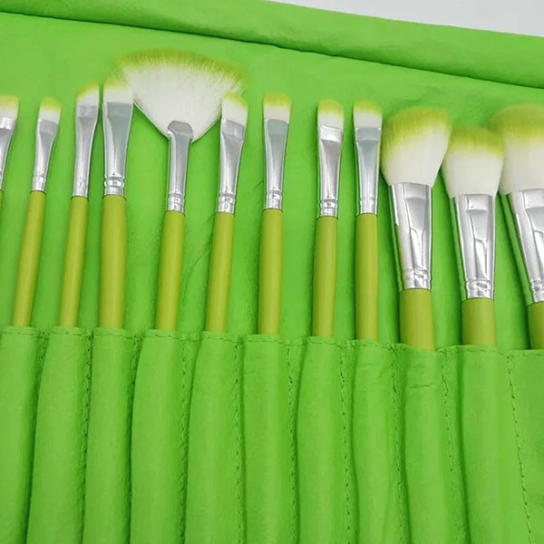 Комплект от 24 четки за грим в разгъваща се чантичка в красиви цветове HZS72 8