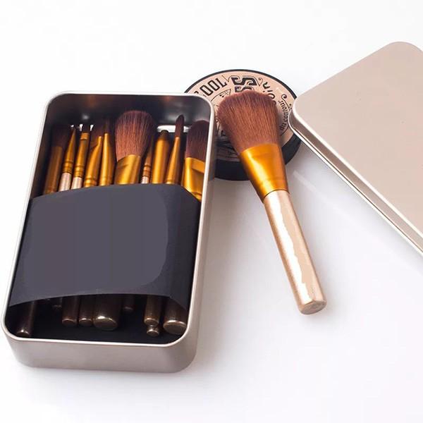 Комплект от 12 четки за грим в красива метална кутия HZS82 3