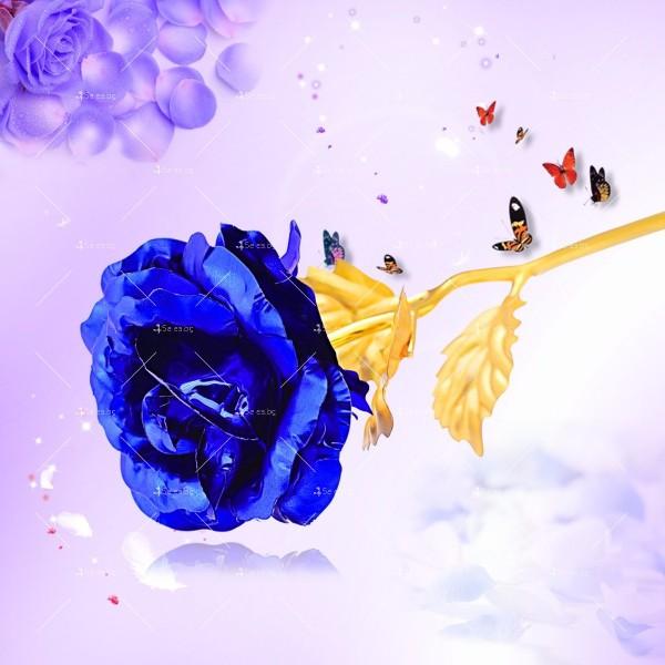 Изкуствена роза с 24-каратово златно покритие и стойка Сърце 2