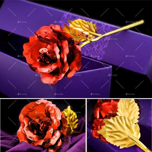 Изкуствена роза с 24-каратово златно покритие и стойка Сърце 3