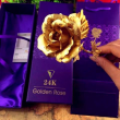 Изкуствена роза с 24-каратово златно покритие и стойка Сърце 4