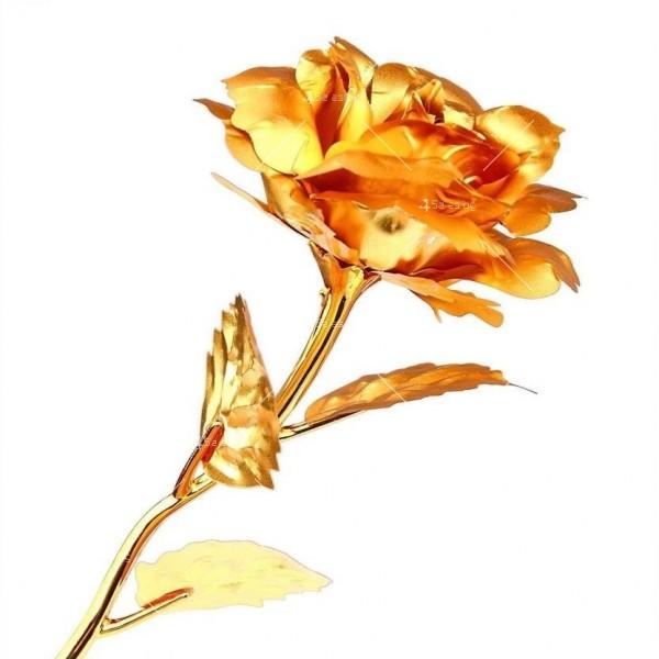 Изкуствена роза с 24-каратово златно покритие и стойка Сърце 10