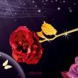 Изкуствена роза с 24-каратово златно покритие и стойка Сърце 20