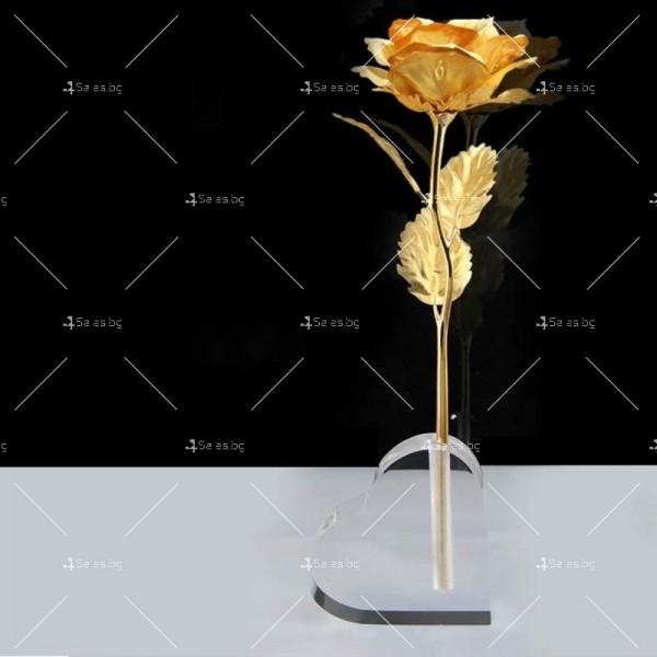 Изкуствена роза с 24-каратово златно покритие и стойка Сърце 25