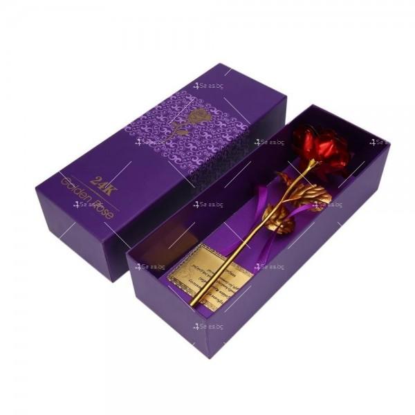 Изкуствена роза с 24-каратово златно покритие и стойка Сърце 27