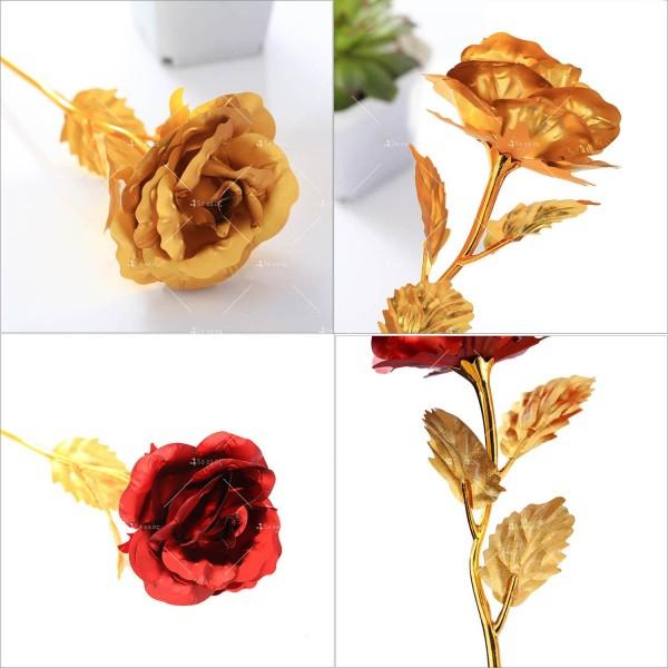 Изкуствена роза с 24-каратово златно покритие и стойка Сърце 28