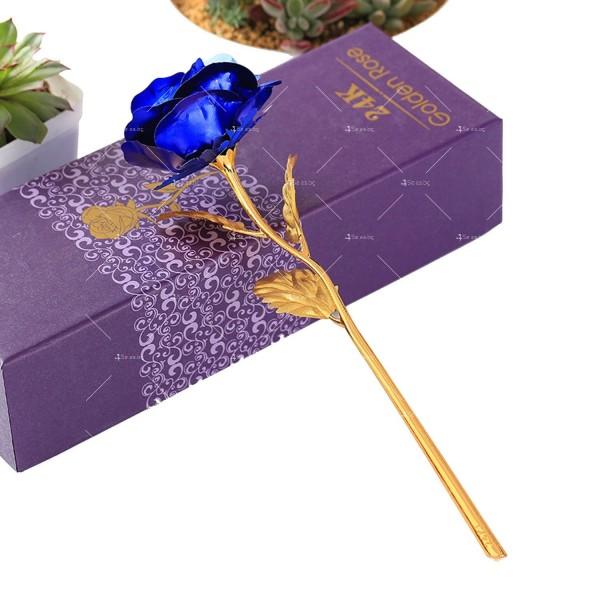 Изкуствена роза с 24-каратово златно покритие и стойка Сърце 9