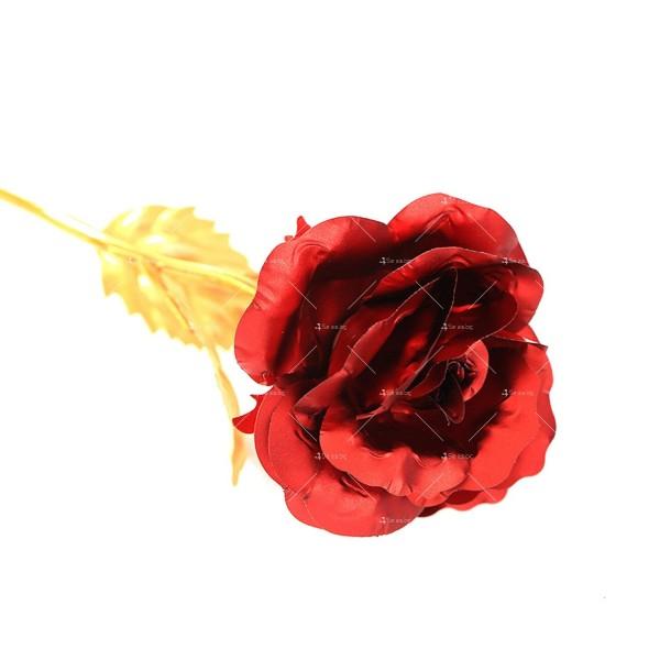 Изкуствена роза с 24-каратово златно покритие и стойка Сърце 34