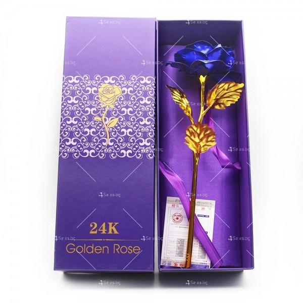 Изкуствена роза с 24-каратово златно покритие и стойка Сърце 39