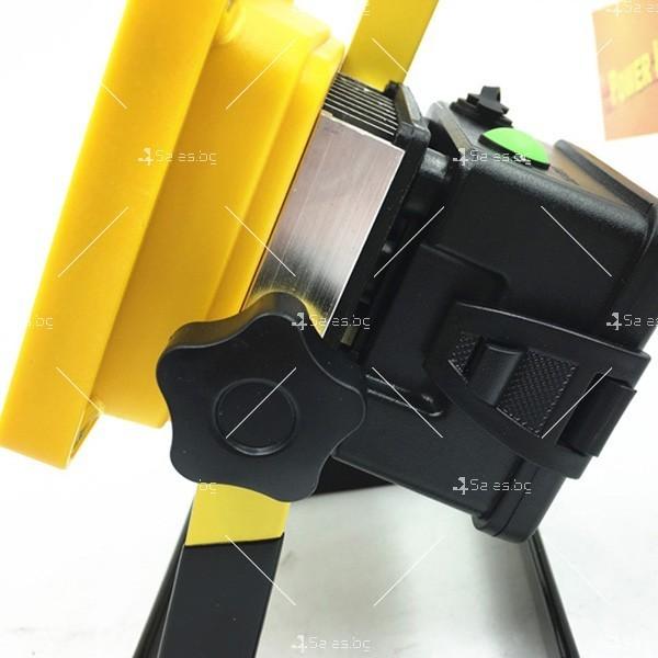 Мобилна лампа GDPLUS - прожектор с 24 LED осветителни тела 30 W GDL3 6