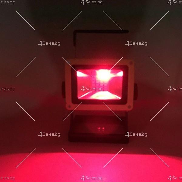 Мобилна лампа GDPLUS - прожектор с 24 LED осветителни тела 30 W GDL3 13