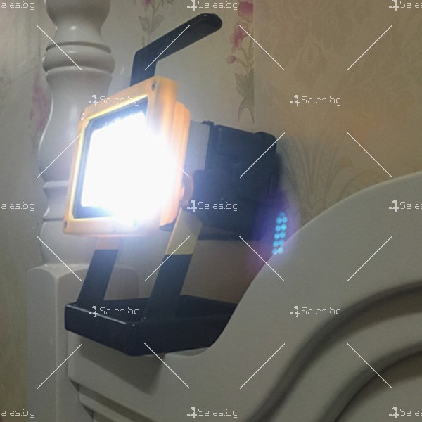 Мобилна лампа GDPLUS - прожектор с 24 LED осветителни тела 30 W GDL3 14