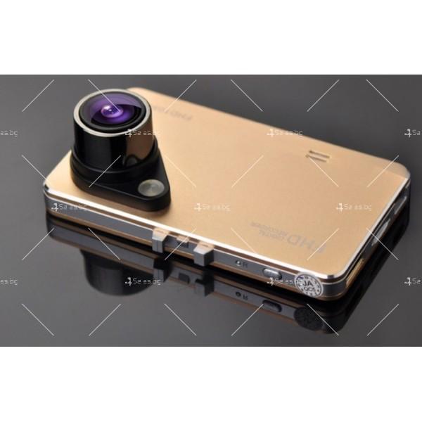 Стилен DVR в златисто или черно с 2,4 инча екран и голям ъгъл на виждане AC81 1