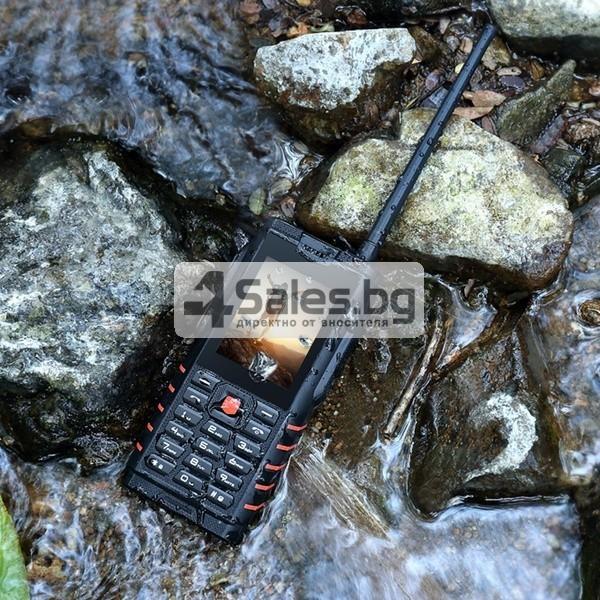 Мобилен телефон и радиостанция в едно със защита от прах, вода и удар iOutdoor T2 3
