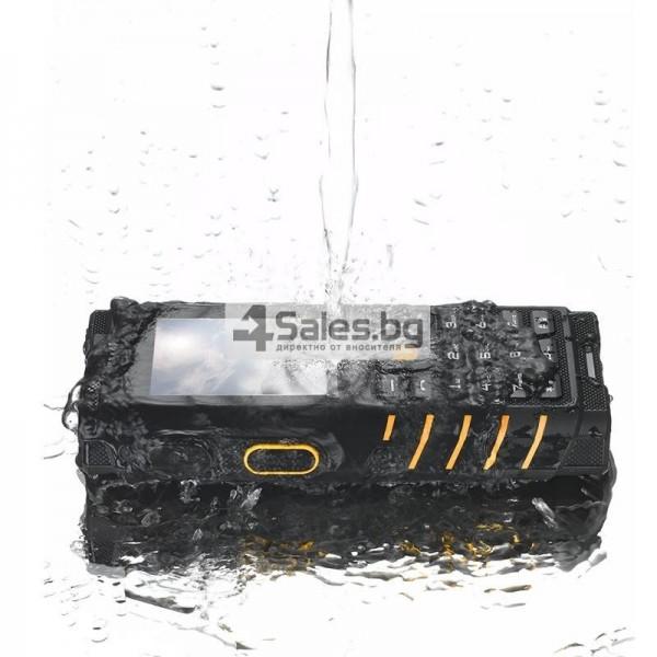 Мобилен телефон и радиостанция в едно със защита от прах, вода и удар iOutdoor T2 6
