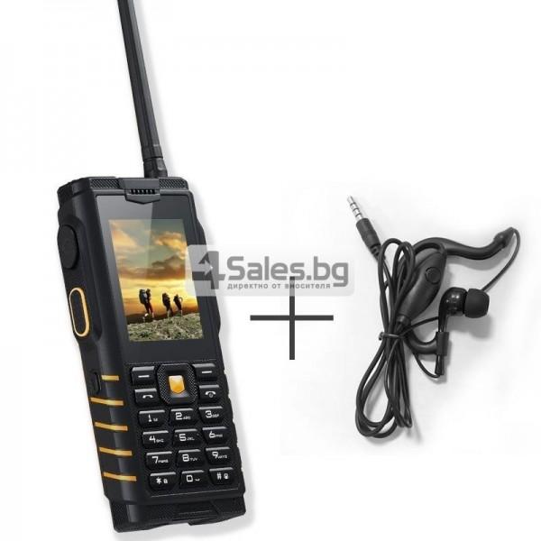 Мобилен телефон и радиостанция в едно със защита от прах, вода и удар iOutdoor T2 12