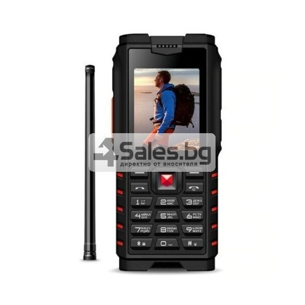 Мобилен телефон и радиостанция в едно със защита от прах, вода и удар iOutdoor T2 18