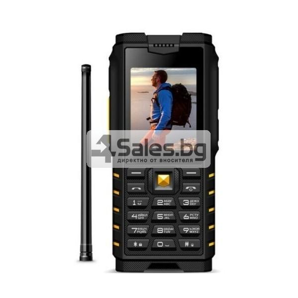 Мобилен телефон и радиостанция в едно със защита от прах, вода и удар iOutdoor T2