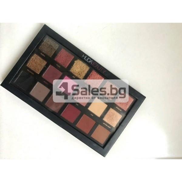 Комплект от 18 цвята сенки за очи в удобна палитра HUDA BEAUTY HZS115 8