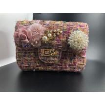 Кокетна розова дамска чантичка декорирана с цветя и перли ZSB-S-3