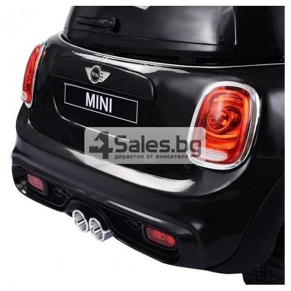 Детска кола с акумулаторна батерия реплика на Mini Cooper Hatch 10