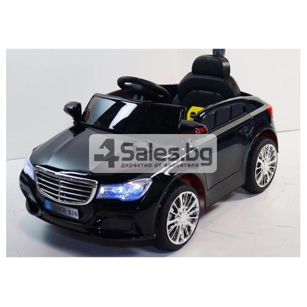 Детска кола с акумулаторна батерия детайлна реплика на Mercedes XMX-816 13