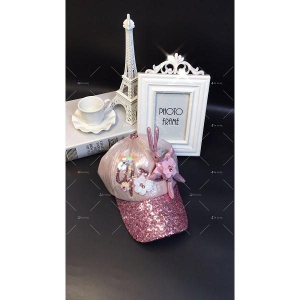 Дамска шапка с козирка и апликация заек DZ K-16 4