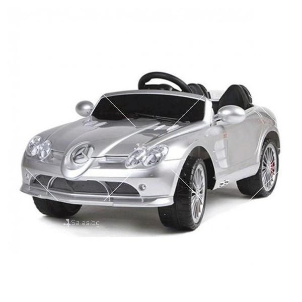 Двуместна детска кола с акумулаторна батерия Mercedes SLR 722S с меки гуми