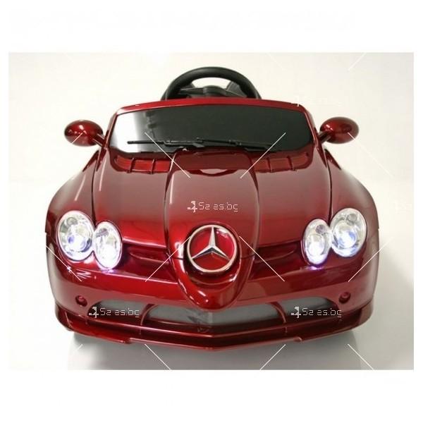 Двуместна детска кола с акумулаторна батерия Mercedes SLR 722S с меки гуми 4