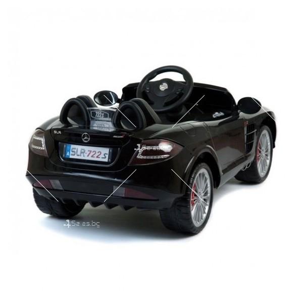 Двуместна детска кола с акумулаторна батерия Mercedes SLR 722S с меки гуми 10