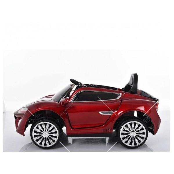 Едноместна детска кола с акумулаторна батерия детайлна реплика на Porsche WXE 3