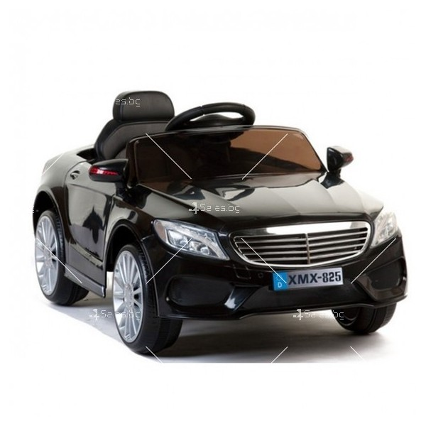 Едноместна детска кола с акумулаторна батерия реплика на Mercedes XMX-825