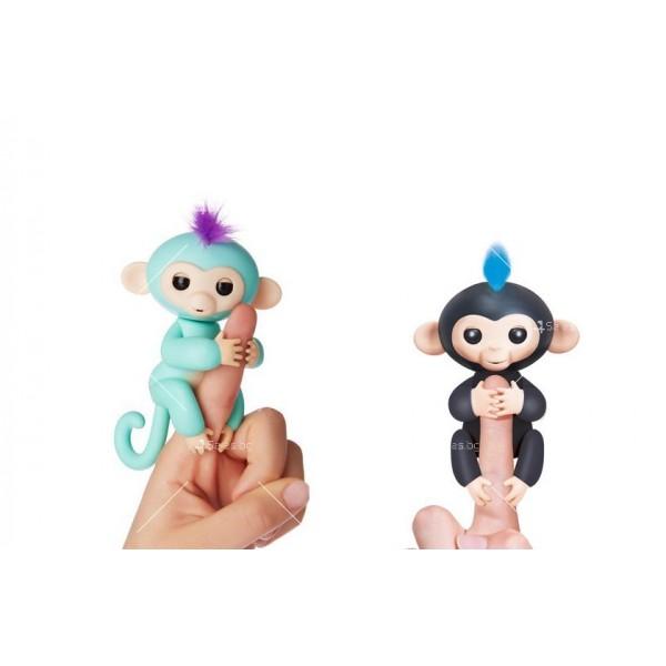 Интерактивна играчка маймунка Fingerlings 1