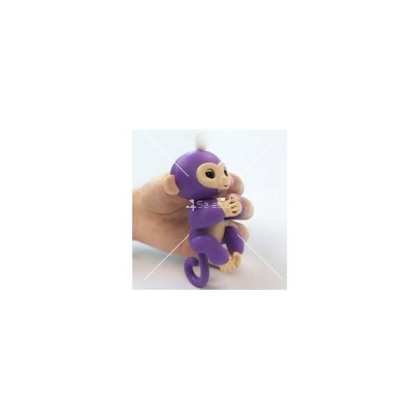 Интерактивна играчка маймунка Fingerlings 8