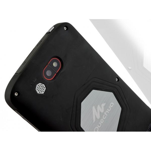 Quechua Phone Mountainproof - удароустойчив и водоустойчив телефон 8