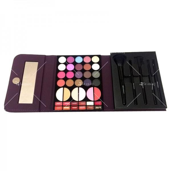 Комплект гримове Miss Doozy Makeup Kit